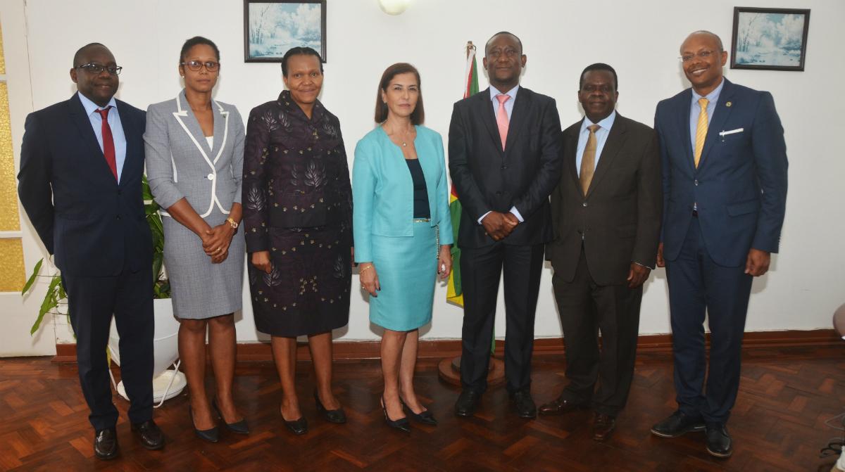 Membros do Conselho de Administração do BAD visitam STP
